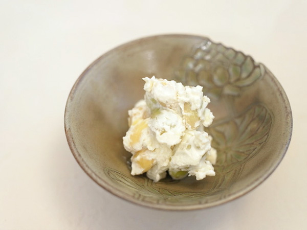 大豆と浸し豆のクリームチーズサラダ